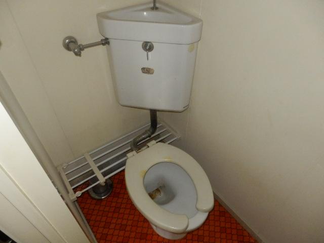 サンコーポ 202号室のトイレ