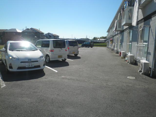 エスポアロイヤル 203号室の駐車場