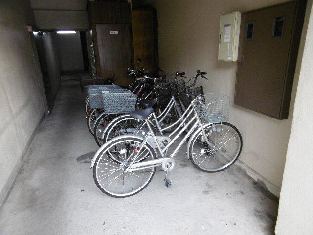 瑞穂ビル 502号室の駐車場