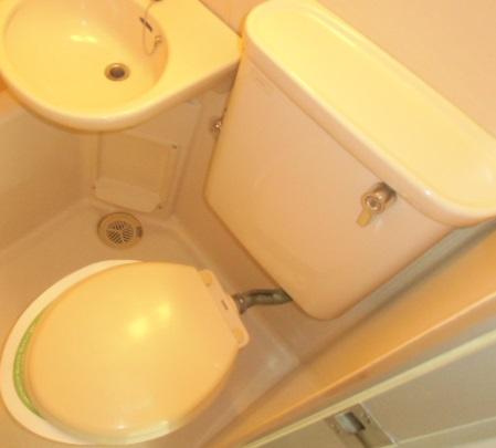 コーポリンデンⅡ 2D号室のトイレ