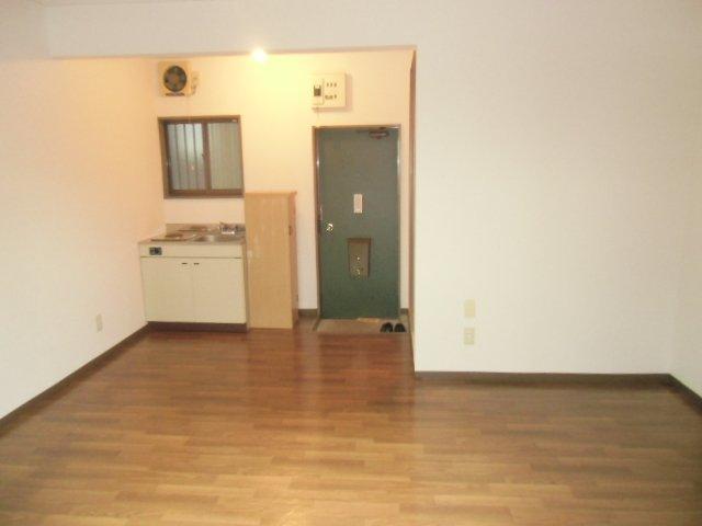 ラビデンススグモ 102号室のリビング