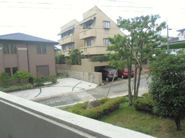 緑ヶ岡マンション 203号室の景色