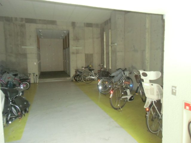 緑ヶ岡マンション 203号室のその他共有