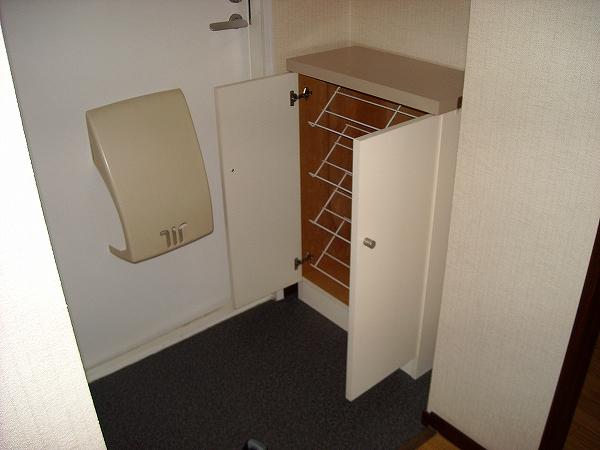 クレスト藤ケ丘A/B B202号室の玄関