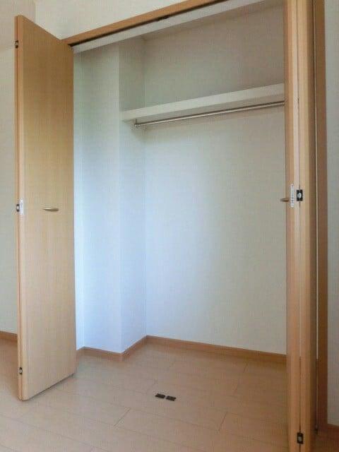 オーデンハオス B棟 01030号室の収納