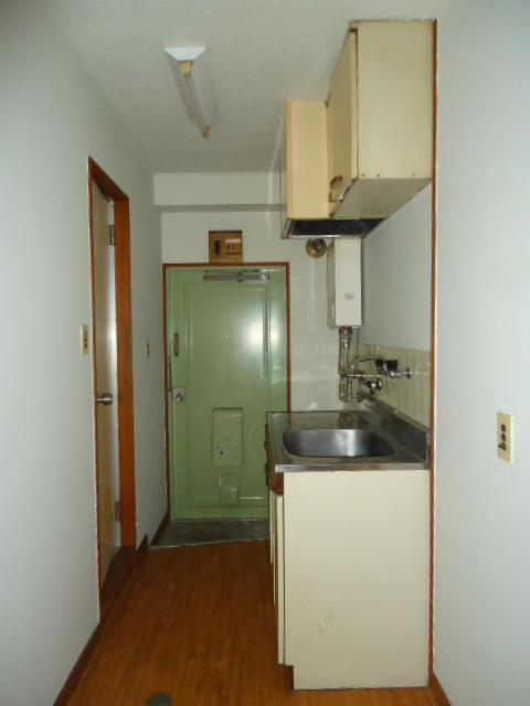 小林ビル 212号室の玄関