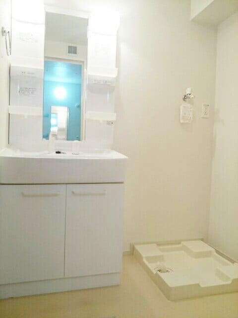 サンリット・レジデンスB 02030号室の洗面所