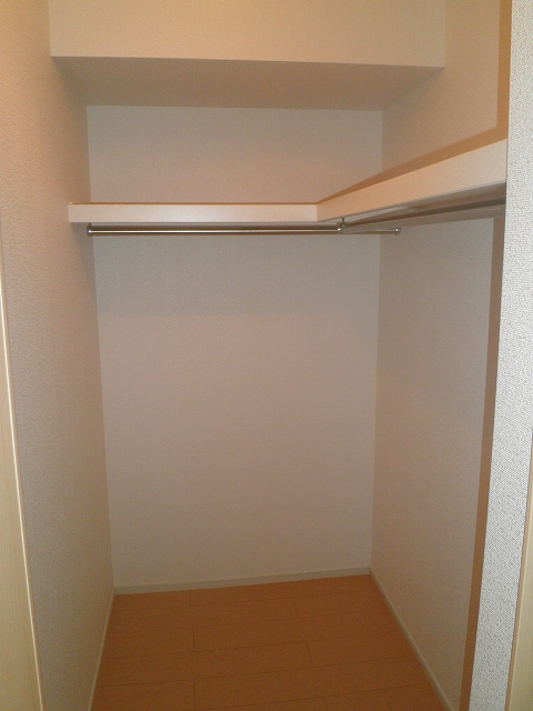 サンリット・レジデンスB 02030号室の収納