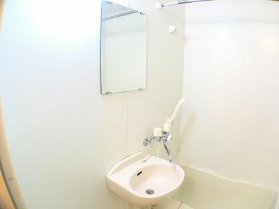 レオパレス千代崎コースト 110号室の収納