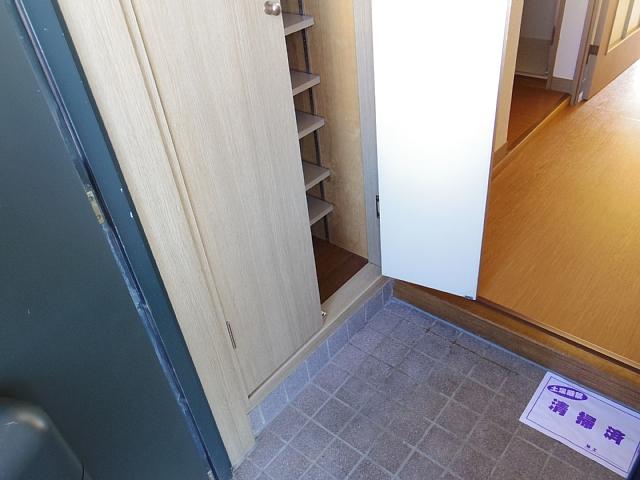 IBはら 310号室の玄関
