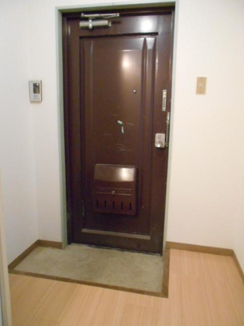 大仁マンションⅠ 106号室の玄関