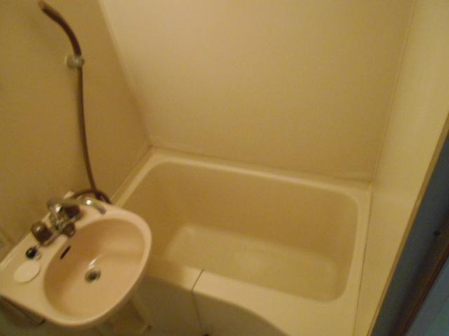 大仁マンションⅠ 106号室の風呂