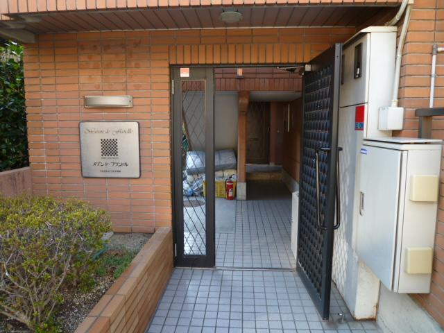 メゾン・ド・フランドル 406号室のエントランス