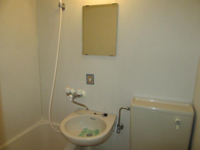 メゾン・ド・フランドル 406号室の洗面所