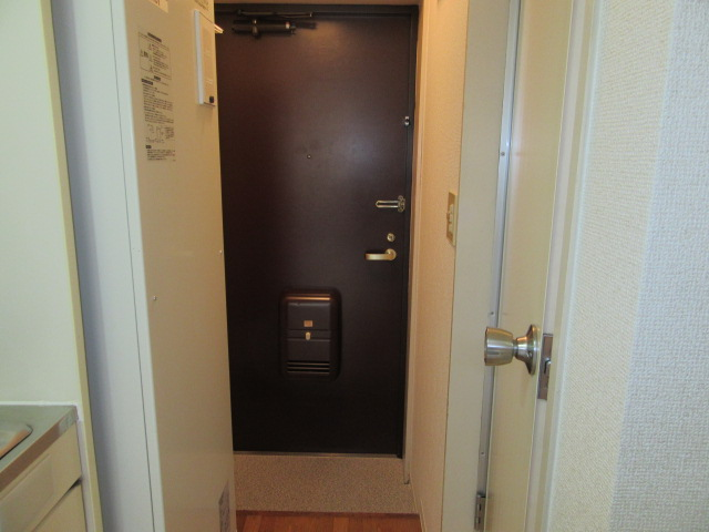 メゾン・ド・フランドル 406号室の玄関