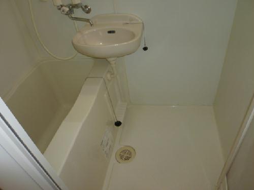 レオパレスエレガンス サトウⅡ 111号室の風呂