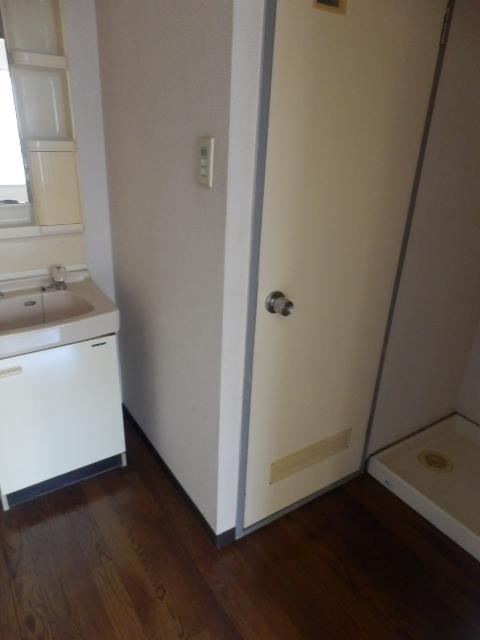 ハイシティー第二鹿山 302号室の洗面所