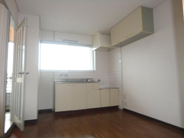 アイリスガーデン羽田 00103号室のキッチン