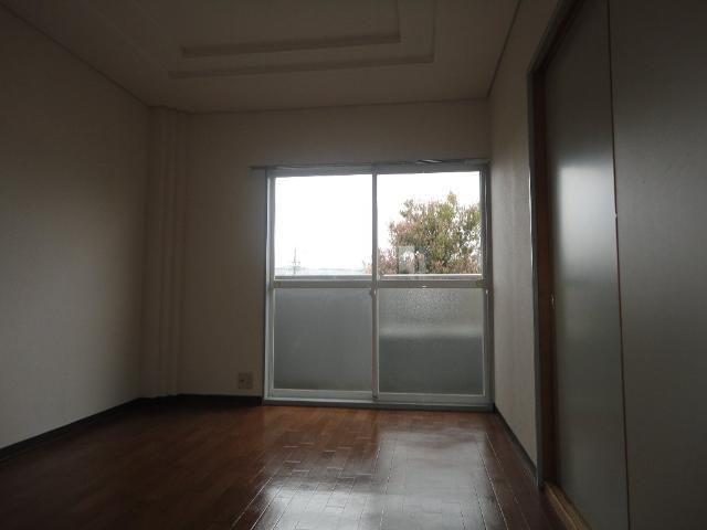アイリスガーデン羽田 00103号室のベッドルーム