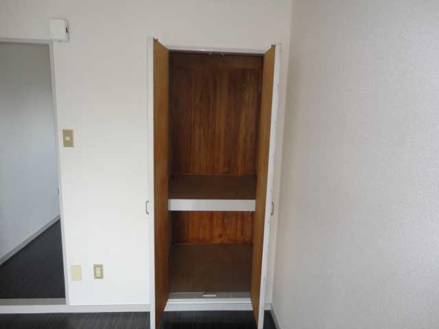 コーポパーシモン 405号室の収納