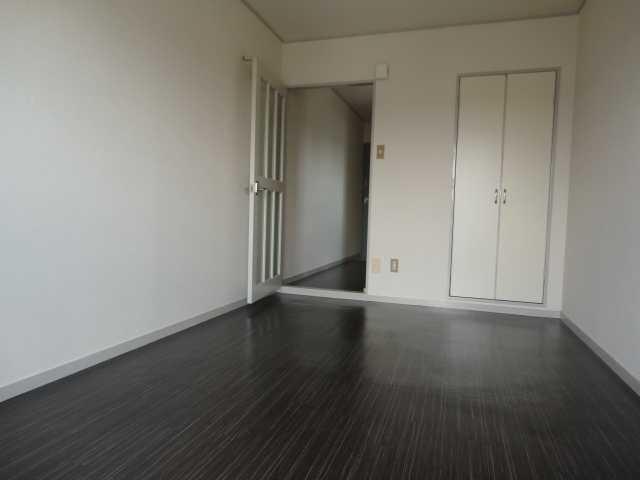 コーポパーシモン 405号室のベッドルーム