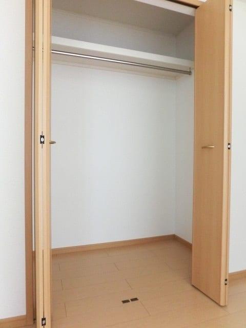 レジデンス ブロッコリーE棟 02030号室の収納