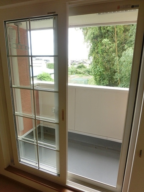 レジデンス ブロッコリーE棟 02030号室のバルコニー