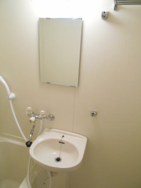 JMイケバ 601号室の洗面所