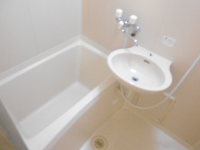 ハイツ金山 607号室の風呂