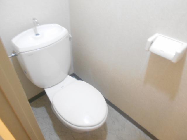 ハイツ金山 607号室のトイレ