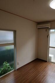 ベルトピア武蔵浦和 101号室のリビング