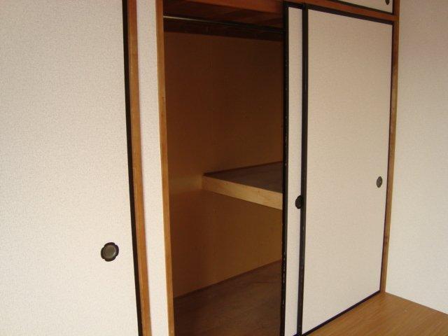 エスポアハイム 00205号室の玄関