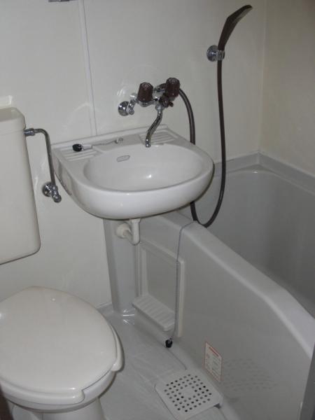 レオパレス植田第3 102号室の風呂