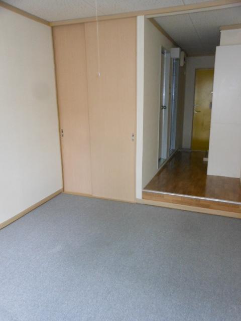 フラット若田 203号室のベッドルーム