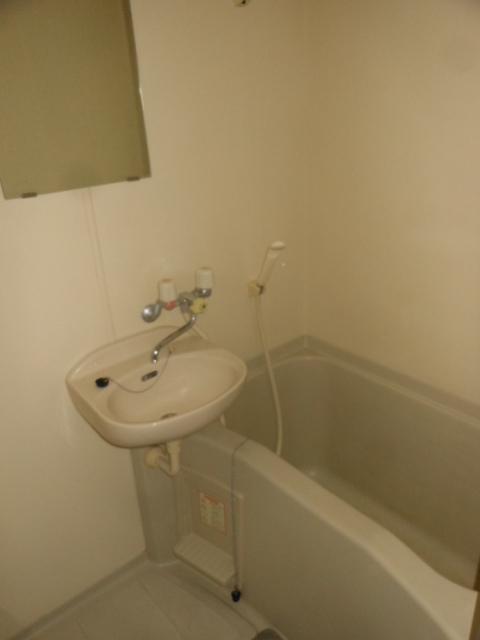 フラット若田 203号室の風呂