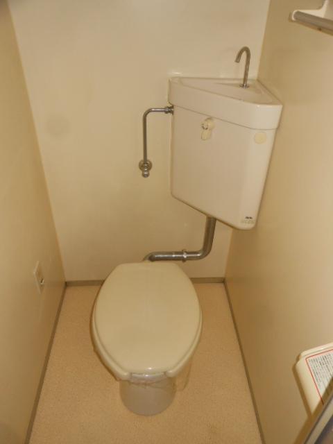 フラット若田 203号室のトイレ