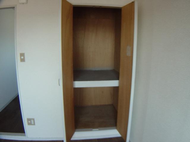 コーポパーシモン 201号室の収納