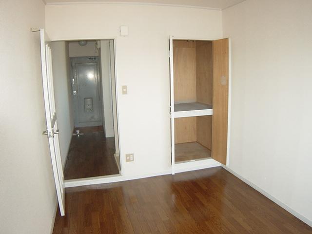 コーポパーシモン 201号室のベッドルーム