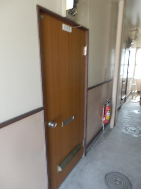 ハウシェル星崎 1-A号室の玄関