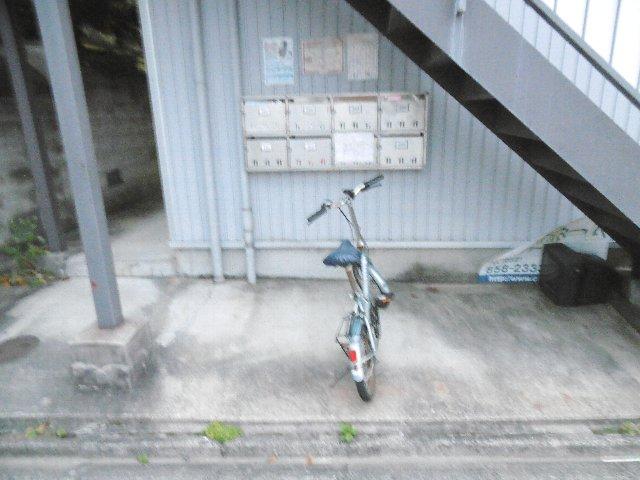 ラ・ヴィクレールⅠ 102号室の駐車場