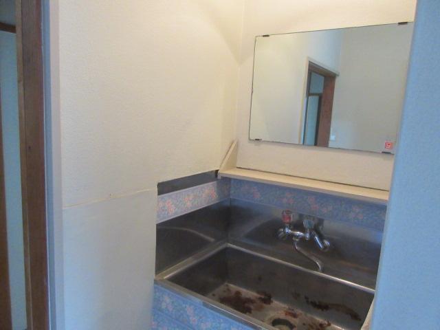 久本ビル 4F号室の洗面所