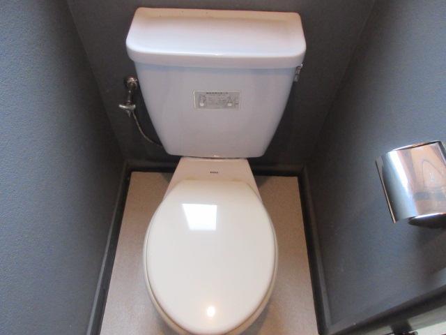 久本ビル 4F号室のトイレ