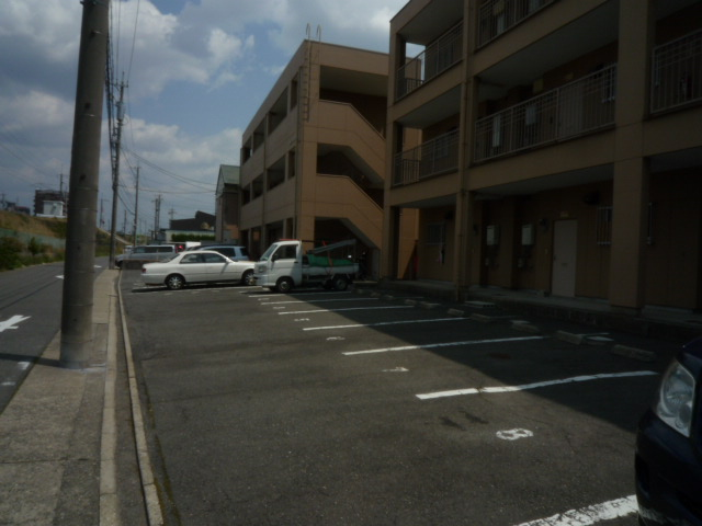 ファインマンションⅠ 303号室の駐車場