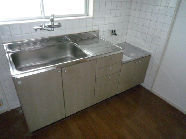 ファインマンションⅠ 303号室のキッチン