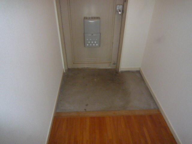ファインマンションⅠ 303号室の玄関