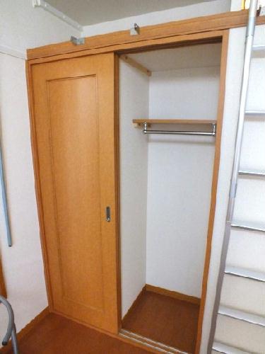 レオパレスメゾネット若葉 102号室の収納