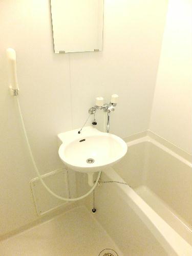レオパレスメゾネット若葉 102号室の洗面所