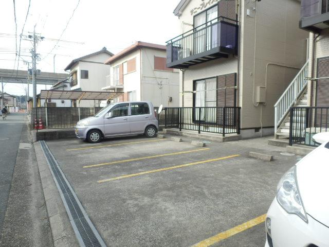 サニープレイス曳馬 201号室の駐車場