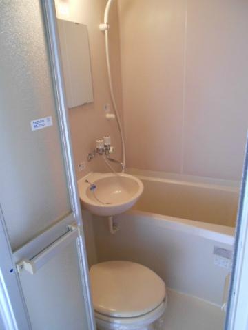 助信モンドEAST 105号室のトイレ