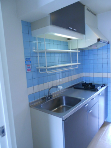 助信モンドEAST 105号室のキッチン